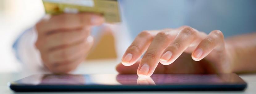 Transformación digital de la Banca: reestructuración interna yexterna
